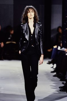 Ann Demeulemeester Spring 1997 Ready-to-Wear Fashion Show - Erin O'Connor