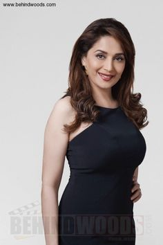 Madhuri Dixit (aka) MadhuriDixit high quality photos stills images & pictures Indian Bollywood Actress, Bollywood Actress Hot Photos, Bollywood Girls, Beautiful Bollywood Actress, Most Beautiful Indian Actress, Bollywood Fashion, Beautiful Actresses, Indian Actresses, Bollywood Saree