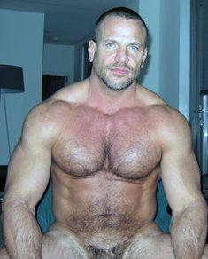 Barefoot Men: Sexy muscle man Jim Ferro