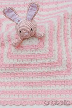 Bunny security crochet blanket by Anabelia.Free pattern