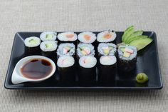 Platou Sushi Sushi, Catering, Ethnic Recipes, Food, Catering Business, Gastronomia, Essen, Meals, Yemek