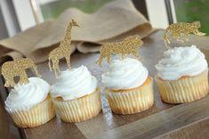 Jungle Animal Cupcake a Cupcake Safari, Jungle Theme Cupcakes, Safari Baby Shower Cake, Baby Shower Cupcake Toppers, Animal Cupcakes, Themed Cupcakes, Jungle Theme Baby Shower, Wild One Birthday Party, 4th Birthday
