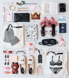 What In My Bag, What's In Your Bag, Flat Lay Photography, Tumblr Photography, Tara Milk Tea, Flatlay Styling, Moon Earrings, Girly Things, Girly Stuff