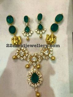 Nakshi Polki Emerald Necklace - Jewellery Designs