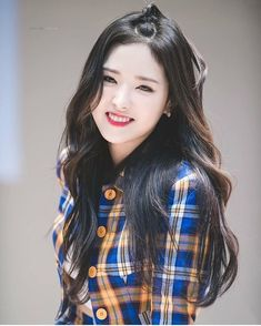 Find images and videos about beautiful, kpop and aesthetic on We Heart It - the app to get lost in what you love. Kpop Girl Groups, Korean Girl Groups, Kpop Girls, K Pop, Olivia Hye, Kim Jung, One And Only, Korean Singer, South Korean Girls