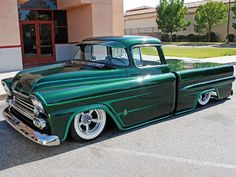 1959 Apache Sweeet color on this truck, lovin it