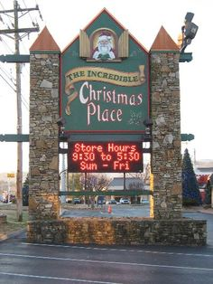 If Christmas is your favorite holiday, then the Incredible Christmas Place in Pigeon Forge is a must-see! Gatlinburg Vacation, Gatlinburg Cabins, Gatlinburg Tennessee, Tennessee Vacation, Gatlinburg Attractions, Christmas Place, Christmas Vacation, Christmas Destinations, Christmas Store
