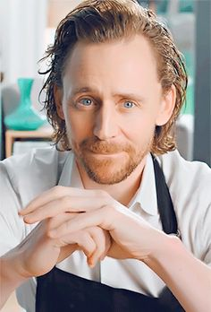 Tom Hiddleston uploaded by Aʟᴇʏɴᴀ on We Heart It – Animated gif shared by Aʟᴇʏɴᴀ. Find images and videos about gif and tom hiddleston on We Hea – - Tom Hiddleston uploaded by Aʟᴇʏɴᴀ on We Heart It - Animated gif shared . Thomas William Hiddleston, Tom Hiddleston Loki, Zachary Levi, Zachary Quinto, Colton Haynes, Michael Fassbender, Bucky Barnes, Hrithik Roshan, My Tom