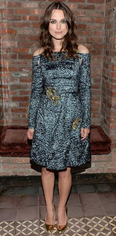Keira Knightley changed into an off-the-shoulder Erdem look from fall for the movie premiere after party. Estilo Keira Knightley, Keira Knightley Style, Keira Christina Knightley, Jessica Chastain, Celebrity Look, Celebrity Dresses, Celeb Style, Blake Lively, Christian Dior