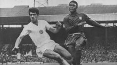 JUL 1966: EUSEBIO OF PORTUGAL (RIGHT) IN ACTION DURING THEIR WORLD CUP MATCH AGAINST BULGARIA. Mandatory Credit: Allsport  R. I. P. Eusebio