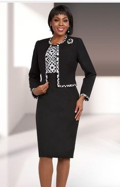 coat that doesn't meet in the middle and high-waiste skirt. African Fashion Dresses, African Dress, Fashion Outfits, Womens Fashion, Fashion Trends, Womens Dress Suits, Suits For Women, Clothes For Women, Elegant Dresses