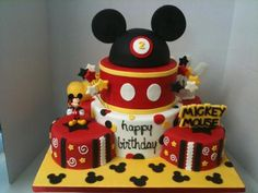 Mickey Mouse cake... My dream cake minus the 2 of course... And really what 2 year old gets a cake like this