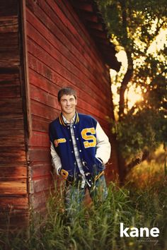 18 Winning Senior Picture Ideas for GuysYou can find Senior guys and more on our Winning Senior Picture Ideas for Guys Boy Senior Portraits, Senior Boy Poses, Senior Boy Photography, Senior Session, Photography Ideas, Volleyball Photography, Male Portraits, Inspiring Photography, Flash Photography