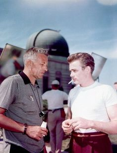 Director Nicholas Ray and James Dean - Behind the scenes of Rebel ...