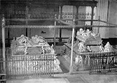 The Tombs of the Catholic Kings, of Philip and of Queen Juana la Loca, Granada Cathedral, Royal Chapel. Famous Historical Figures, Effigy, Granada, Catholic, Knight, Cathedral, Monuments, Death, Queen