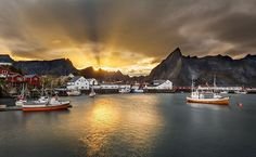 www.lutzphotography.dk Sunset in Lofoten #lofoten #reine #visitnorway #sunset #sunrise #rayoflight #sunbeam #norway #oceanside #harbour #boat #fishingboat #mountains #outdoors #coast #love #photography #photograper #nikon #fineart #art #holiday #relaxing #zen #mindfulness #mindfull #seeyousoon #