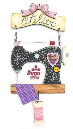 """Penduricalho """"Atelier"""" com máquina de costura preta, vendemos também pintada no site da Duna. Enfeite de parede ou de porta. R$ 24.00 Aqui: http://dunaateliershop.com.br/site/categoria.php?categoria=24"""