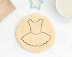 Ballet cookie cutter.  This cookie cutter works great for cookie dough, play dough, fondant, soft cheese and molding clay. Please take into account that cookie cutters with imprint designs require 8mm minimum dough thickness, oil or flour and chilled dough for optimal results.  SETS AND COLLECTIONS. This cookie cutter may also be part of a set or collection, you can check what it includes in the second picture of this listing. There are different options so you can choose this cookie cutter…