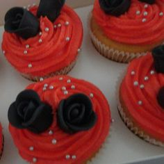 """""""Enchanted"""" theme cupcakes for company party"""