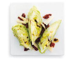Eisbergsalat mit Dörrtomaten und Pecorino - Rezept - Saisonküche