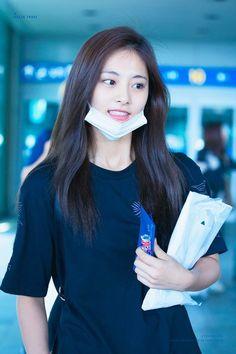 ♡ [ Official Thread of Chou Tzuyu ] NEW OP incoming! Kpop Girl Groups, Korean Girl Groups, Kpop Girls, Twice Jyp, Tzuyu Twice, Nayeon, K Pop, Korean Beauty, Asian Beauty
