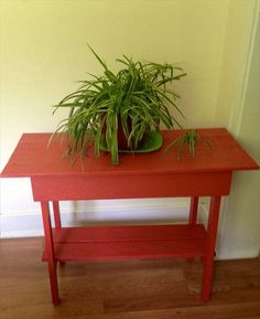 """14 Different Ideas on Pallet Tables 
