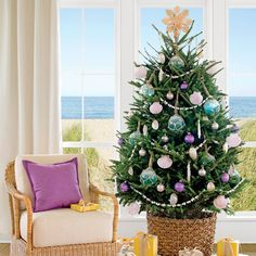 20+ Charming Coastal Christmas Trees http://www.coastalliving.com/homes/decorating/christmas-trees/seashell-christmas-tree-1?xid=socialflow_twitter