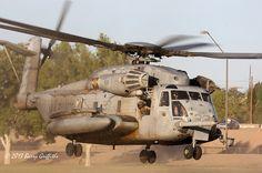 "Sikorsky CH-53E Super Stallion USMC BuNo 163079 HMH-462 ""Heavy Haulers"" YF-33"