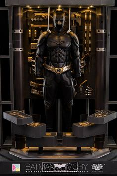 Hot Toys Batman Armory with Bruce Wayne & Alfred Set Final Product Photos Batman Ninja, I Am Batman, Batman Begins, Batman Art, Batman Comics, Batman Robin, The Dark Knight Trilogy, Batman The Dark Knight, Batwoman