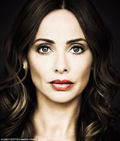 'It was pretty confusing to have people always asking about your appearance. The assumption was that I was where I was because of my looks. But now I'm 40 I'm totally over that,' said Natalie Imbruglia Beautiful Eyes, Most Beautiful Women, Beautiful People, Natalie Imbruglia, Australian People, Being Good, Pop Art, How To Look Better, Celebs