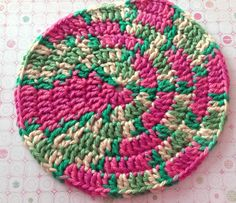 Spiral #Crochet Circle..adds a great splash of #color and #design underneath potted table #plants