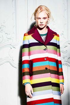 The complete Mary Katrantzou Resort 2018 fashion show now on Vogue Runway. Milan Fashion Weeks, New York Fashion, London Fashion, Stockholm Street Style, Paris Street, Spring Fashion, Fashion Show, Mary Katrantzou, Summer Looks