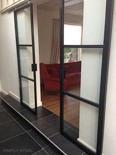 U kunt uw eigen stalen deur helemaal naar eigen wens ontwerpen op onze site stalendeuropmaat.nl