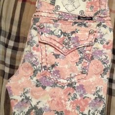 Spring pink floral Miss Me New floral pink cargo skinny miss me jeans. Get these just in time for spring. Just purchased and only worn once but never washed, in perfect condition. Miss Me Jeans