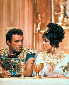 Elizabeth Taylor as Cleopatra and Richard Burton as Mark Anthony in a scene from Cleopatra, 1963.