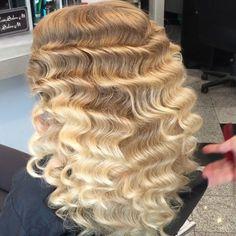 """Hollywood waves or Mustafa's waves ❤️ #mustafasworkshop ❤️❤️❤️ #wakeupandmakeup #ootd #makeup #curls #teambellami  #model #AnastasiaBeverlyHills #woman #beautiful #bighair #iluvsarahii #glamrezy  #vegas_nay #fashion #style #blonde  #leylamilani #bellamihair #hudabeauty  #ghalichiglam #bellamibella #Lillyhair #bellami #modernsalon #btcpics #wakeupandmakeup @wakeupandmakeup @hudabeauty @vegas_nay @lillyghalichi"" Photo taken by @hairsalonm on Instagram, pinned via the InstaPin iOS App…"