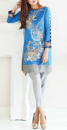 Buy New Designer Winter clothes – PakRobe deals in all kind of Pakistani Winter Fall Dresses, winter casual dresses, and plus size winter dresses online. Plus Size Winter Dresses, Winter Dresses Online, Pakistani Outfits, Indian Outfits, Casual Fall Wedding, Casual Dresses, Fashion Dresses, Sari, Lawns