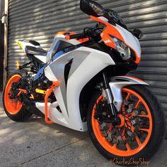 Honda CBR1000 Fireblade Orange Stunt bike
