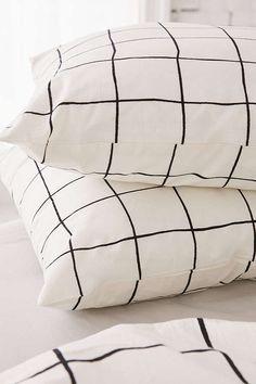 Slide View: 3: Wonky Grid Pillowcase Set