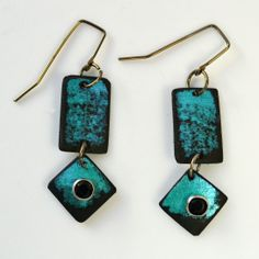 Turquoise is the latest color we are experimenting with. Vibrant, iridescent and fun! I think we'll put it in the line up!