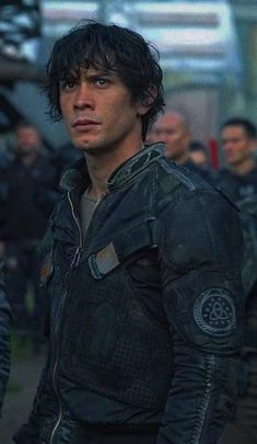 im waiting for Bellarke to happen 🥺✨ The 100 Cast, The 100 Show, Bellarke, Best Post Apocalyptic Movies, Bob Morely, The 100 Poster, Bellamy The 100, The 100 Characters, Hot Dads