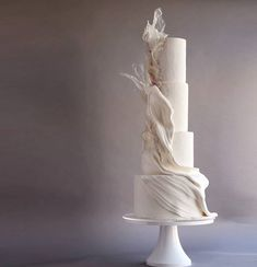 Wedding cakes, you have to attempt this truly gorgeous example number 4111210005 now. Luxury Wedding Cake, Wedding Cake Rustic, White Wedding Cakes, Elegant Wedding Cakes, Wedding Cake Designs, Wedding Desserts, Wedding Cake Toppers, Beautiful Cakes, Amazing Cakes
