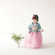 "#hanbok project #Photo by Derek Lee Sponsored by #w한복 . . . . #beauty #korea #photography…"""