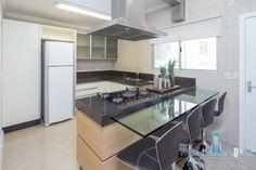 Apartamento Frente Mar para Venda, Balneário Camboriú / SC, bairro CENTRO, 3 dormitórios, 1 suíte, 2 banheiros, 1 garagem, mobiliado