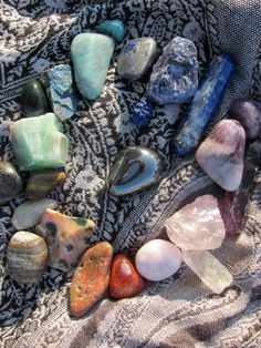 I used to collect rocks like this when I was younger...still think they are so cool! haha