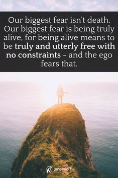 What is death? Why do we fear it? How does our fear of death influence our lives? And finally, how can we overcome our fear of death? Great Quotes, Quotes To Live By, Me Quotes, Motivational People, Inspirational Words Of Wisdom, Wise Words, Wise Sayings, Spiritual Inspiration, Note To Self