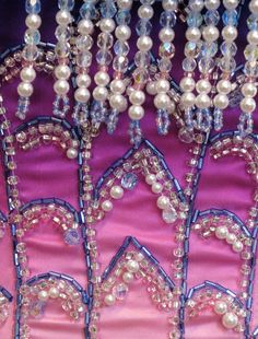 Operafantomet: phantoming, Beading of the Star Princess costumes around the. Broadway Costumes, Ballet Costumes, Harry Potter Book Covers, Masquerade Dresses, Love Never Dies, Beautiful Costumes, Princess Costumes, Large Crystals, Phantom Of The Opera