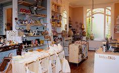 LITTLE & TALL - 9, rue Bartholomé Masurel - Lille : La boutique little & TALL est un concept store inédit Lillois en déco kids & home, autour de l'univers enfant et des accessoires de la maison. Un savoureux mélange de poésie, de tendance et de vintage pour une ambiance cocoon & ludique. http://www.littleandtall.fr/