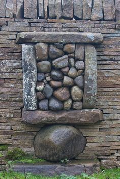 artpropelled:    Andy Goldsworthy  Photograph by Richard Shilling