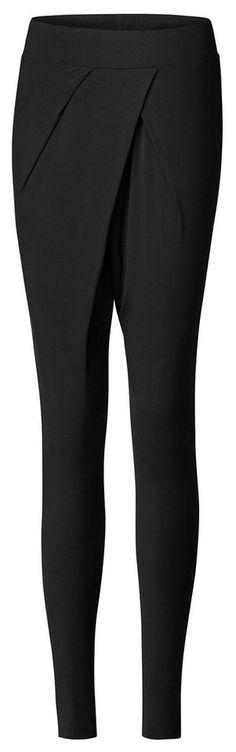 Curare Yogahose für 98,32€. Alltagstaugliches Design auch abseits des Studios, Das hochwertige Material passt sich dem Körper an bei OTTO